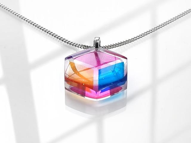 ★立方体のネックレス(トロピカル)