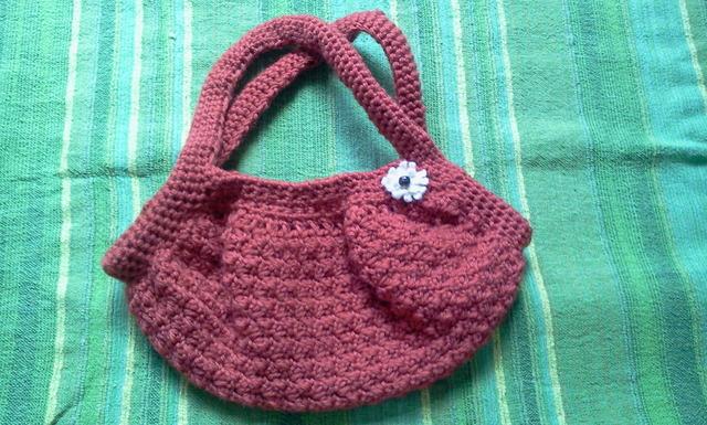 毛糸のバッグ(ブラウン)