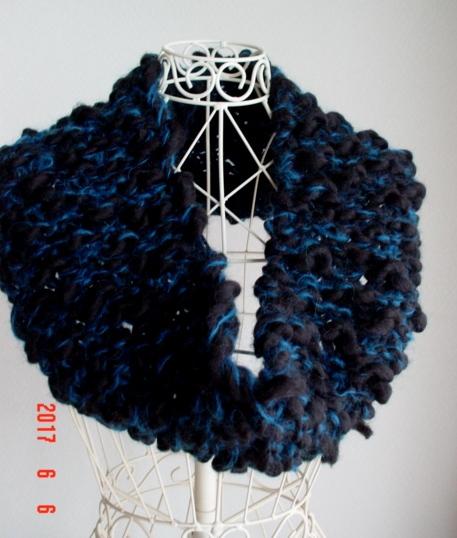 ☆彡ジャンボ棒針で編んだふわふわの超...