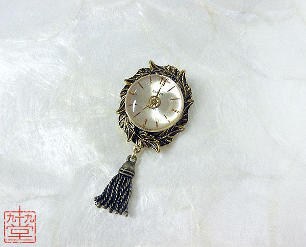 時計草の装身具・琥珀