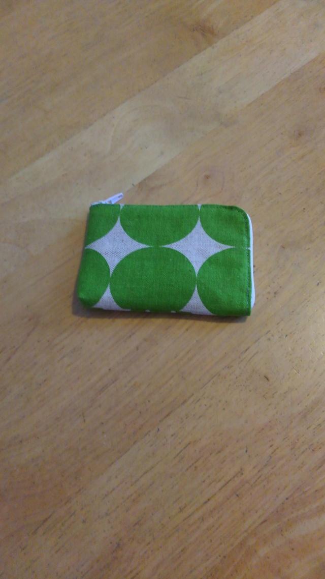 カード入れ【送料無料】緑×生成 水玉