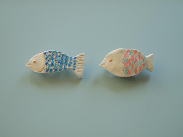 6月、いびつな魚のブローチ