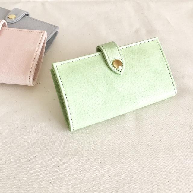 淡い緑色のiphon7ケース