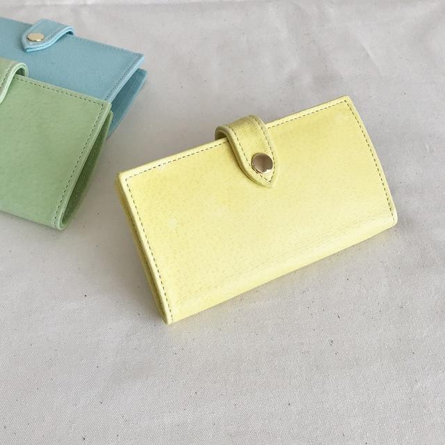 淡い黄色のiphon7ケース