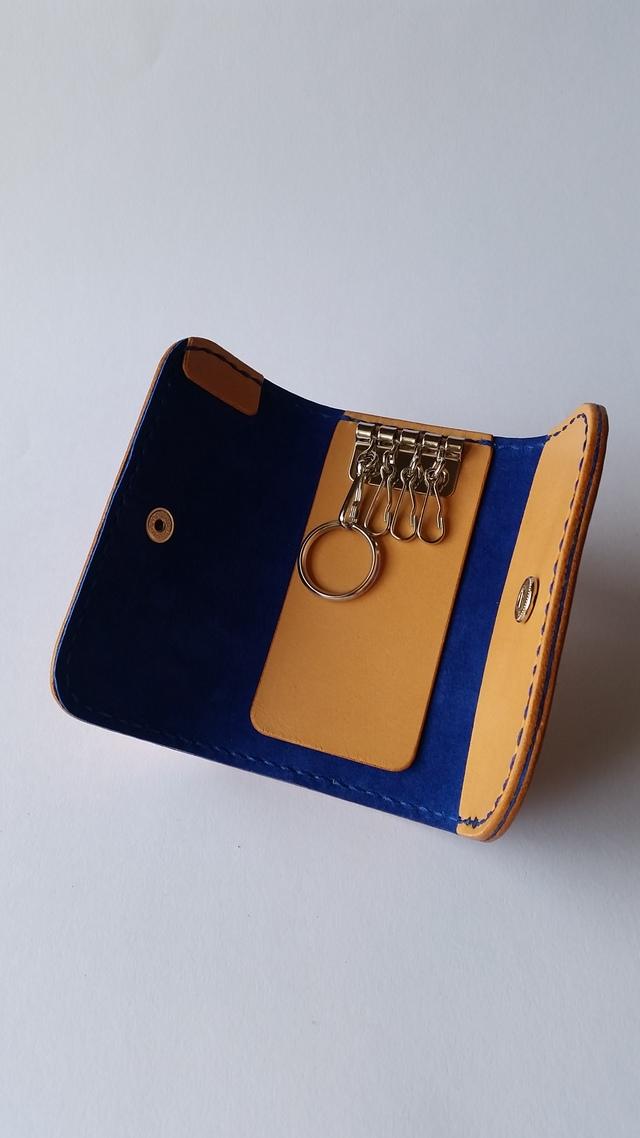 サドルレザーのキーケース 青色仕様