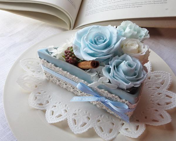 ブルーローズのフラワーショートケーキ