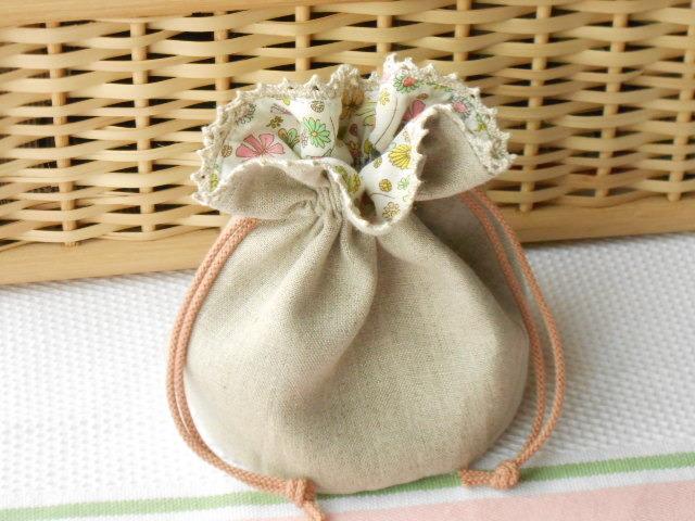 バッグに入れてね!リネンとレースのまあるい花柄ミニ巾着(春)