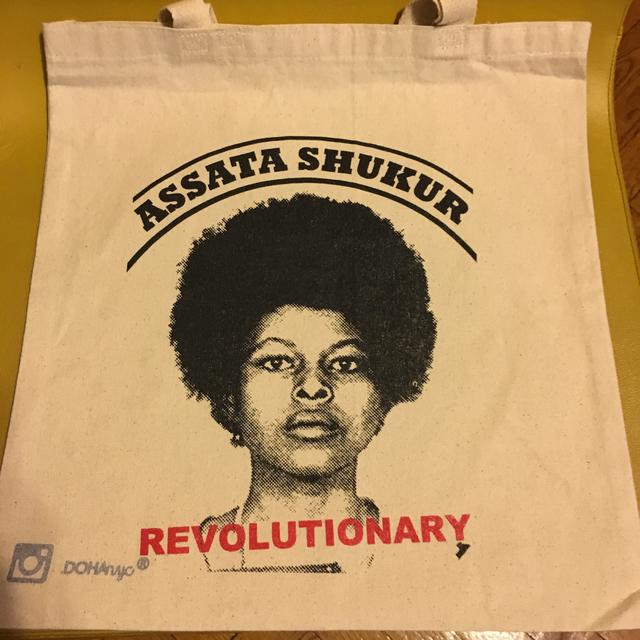 黒人女性革命家 ASSATA SUKUR トート