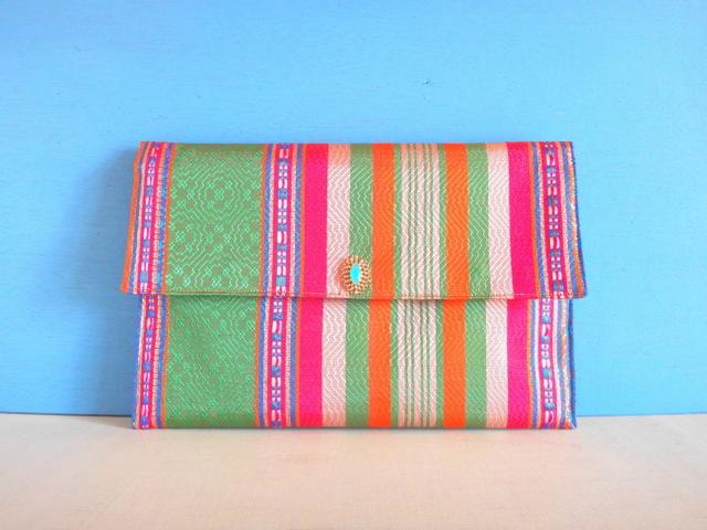 チュニジア布のクラッチバッグ(サハラ...