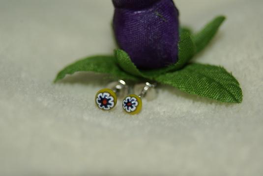 極小濃紺小花 ミルフィオリのガラスピアス