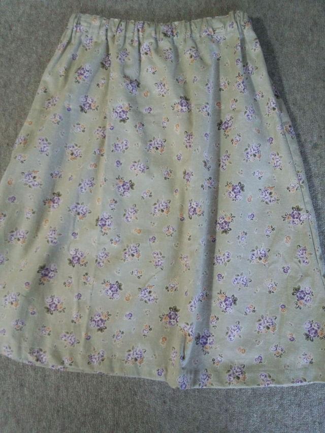 訳アリ フリーサイズ 落ち着いた花柄のスカート