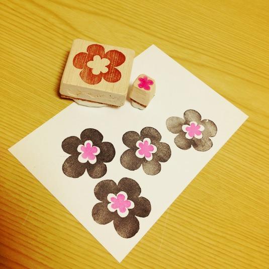 消しゴムはんこ 昭和レトロな花模様2