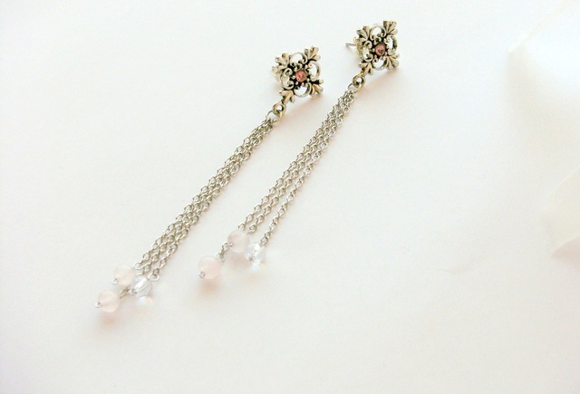 *antique pierced earring - pink