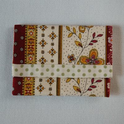 布製カードケース(エンジ系+白&薄緑...