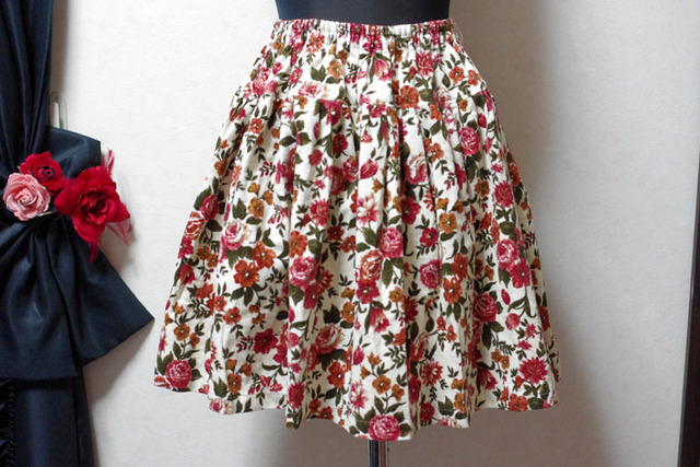 冬物セール20%オフ コーデュロイの花柄ティアードスカート(赤茶)