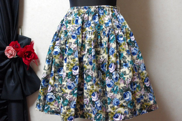 冬物セール20%オフ コーデュロイの花柄ティアードスカート(青)