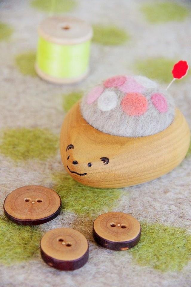 羊毛ピンクッション【針山】 はりねずみくん ふわふわ水玉 ピンク