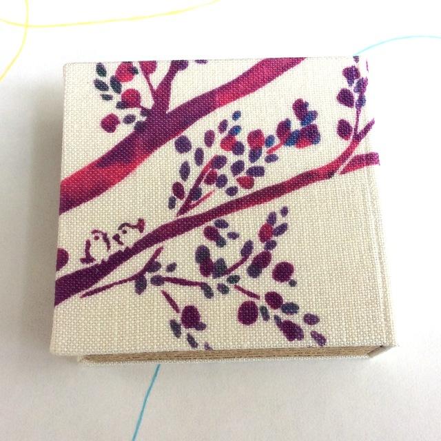 本の箱 「小鳥と木の歌」布張り 小物入...