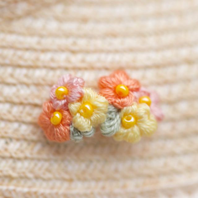 Bouquet pierce  小さな花束を耳元に?  追加料金なしでイヤリングに変更できます