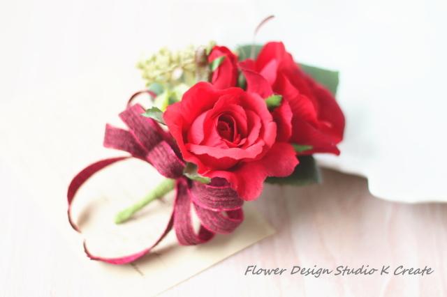 赤い薔薇のブートニア(コサージュ)