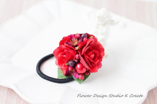 赤い薔薇とパールのヘアゴム(Mサイズ)