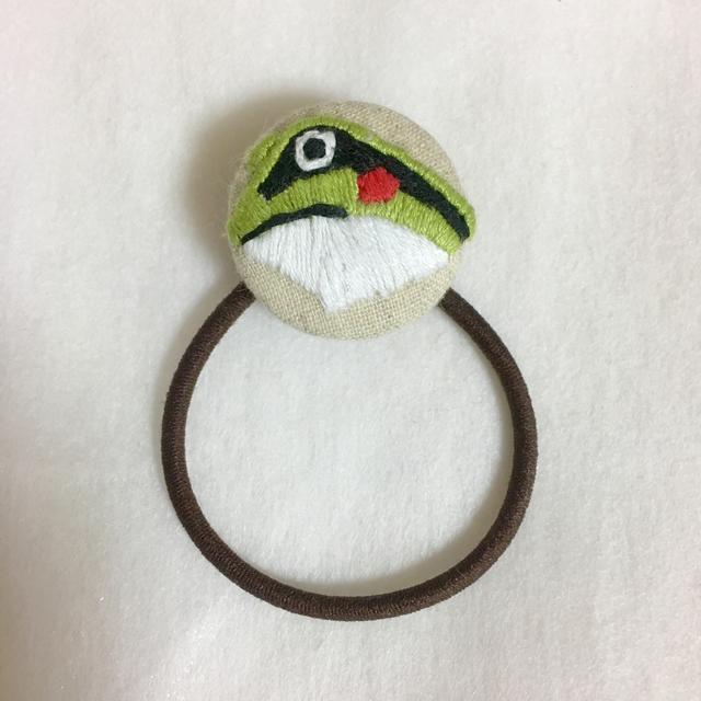 カエルの手刺繍ヘアゴム