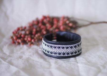 *再販*北欧サーミスタイルのトナカイ革のブレスレット・大・黒
