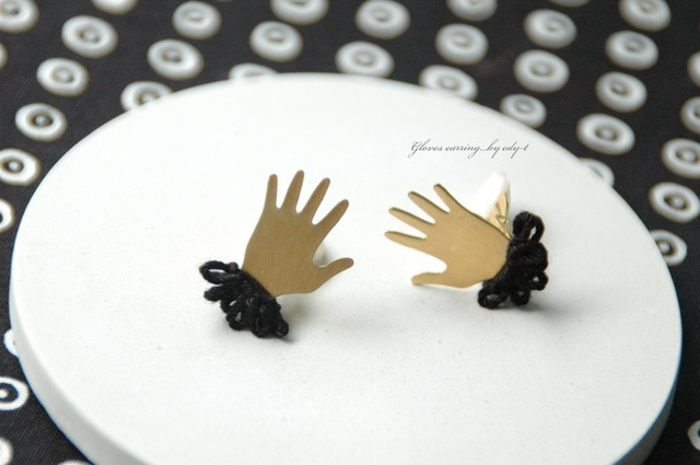 gloves earring/black
