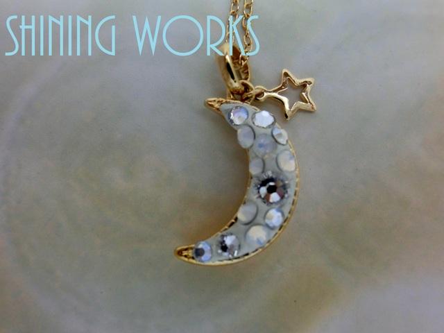 白い月 ホワイトムーンネックレス