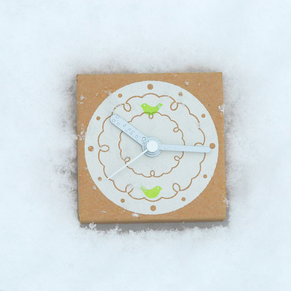 ダンボールの時計|はこどけい|雪華鳥(キミドリ)