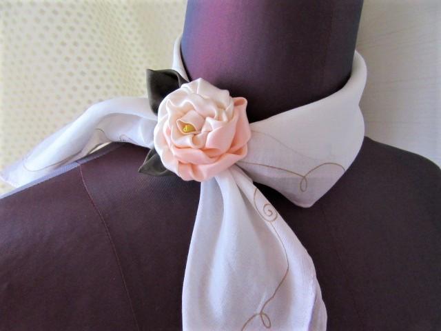 バラの花のワンポイント飾り ハンカチ留め アクセサリー