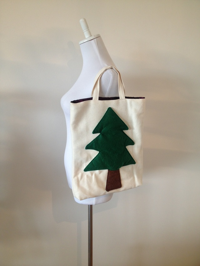 モミの木トートバッグ