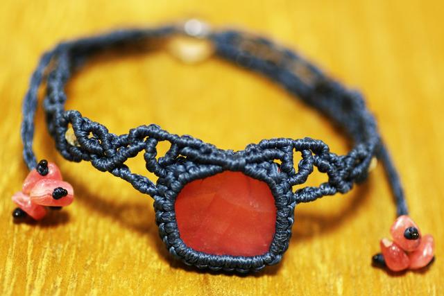 インカローズのマクラメ編み 天然石ブレスレット