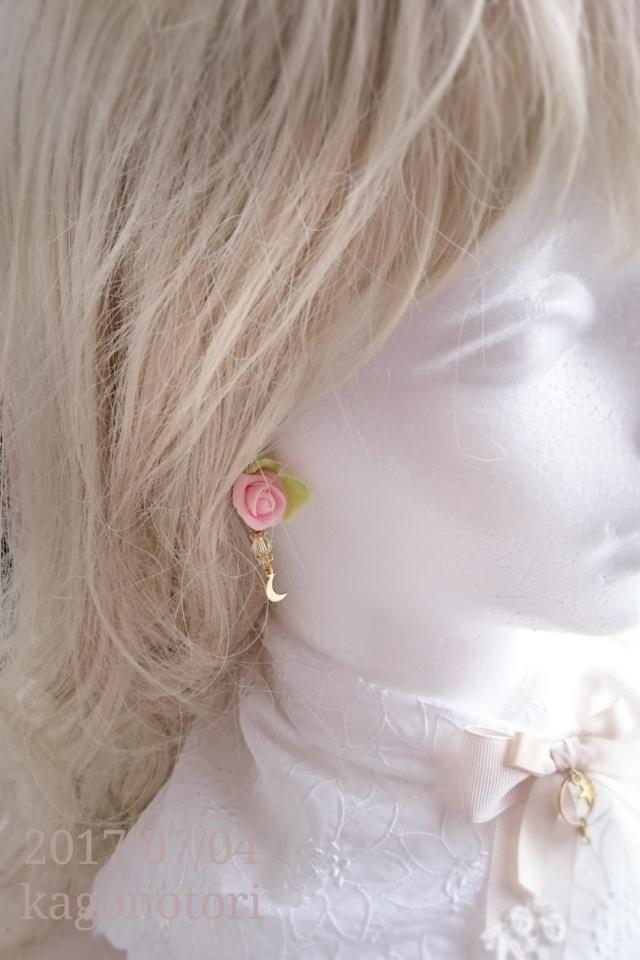 薔薇と月の片耳イヤリング【C】