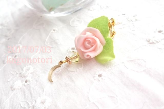 薔薇と月の片耳イヤリング【D】
