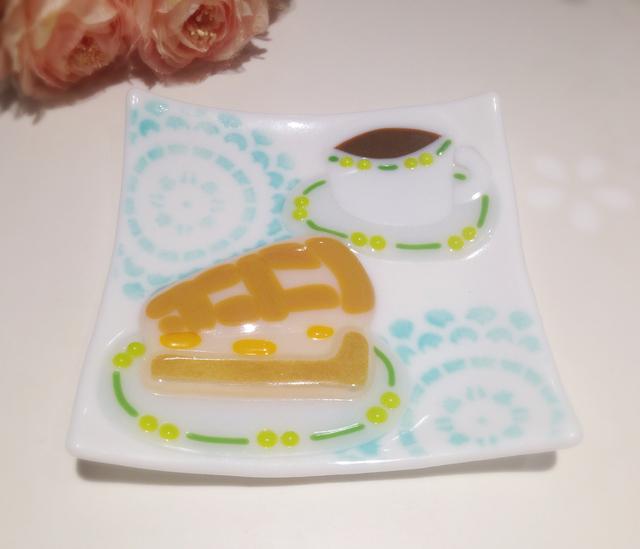 『優雅なティータイム』なお皿?