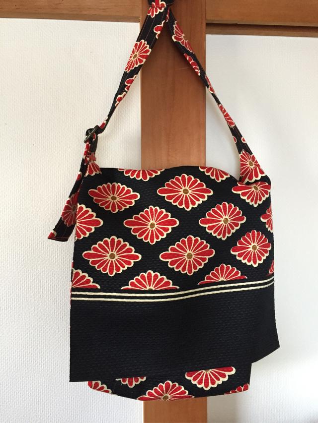 赤い花文様帯リメイク肩掛けバッグ