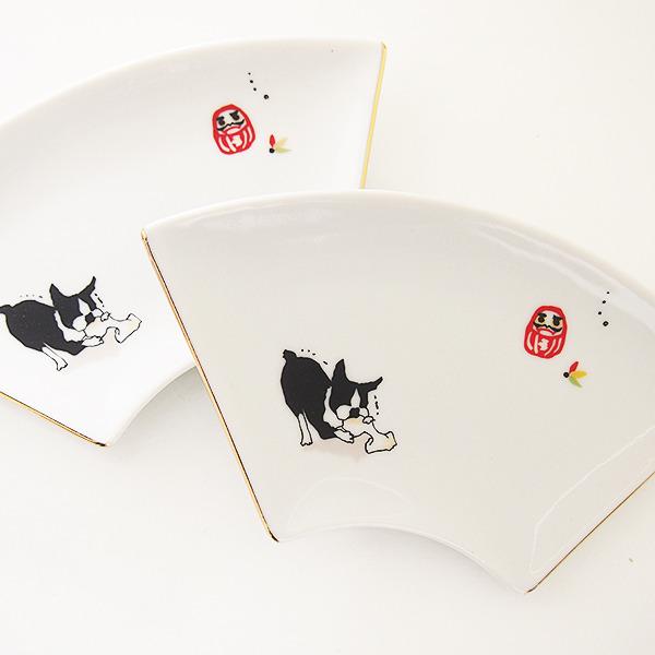 ボストンテリアの扇皿