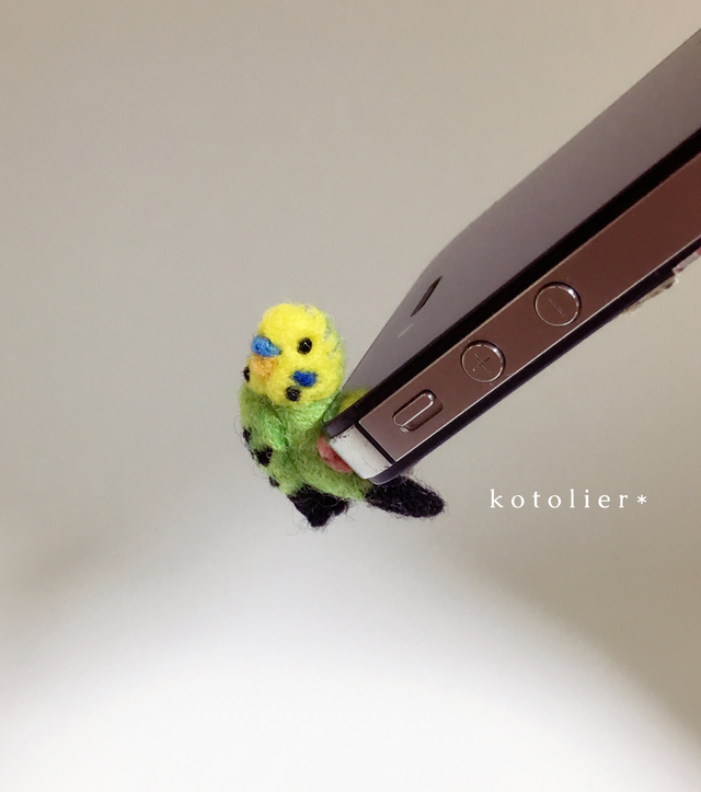【rie-1122さま】鳥 イヤホンジャック ...