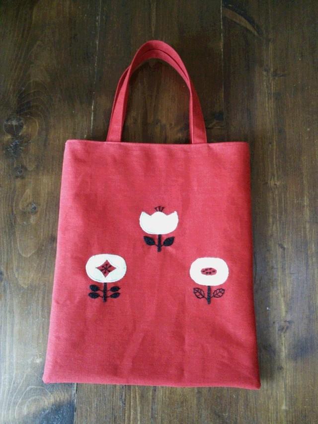 お花刺繍のぺたんこ帆布バッグ