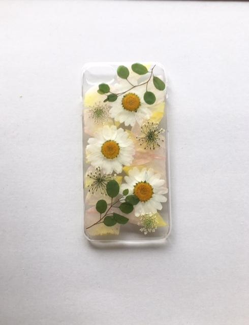 iphone7/6/6s用 バラの花びらをしきつめ...