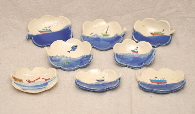 吹き出しの皿(海辺の風景)