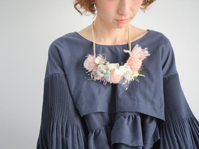 【新作】花冠のようなネックレス「Fluer...