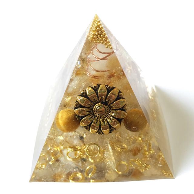 金運アップ!☆ピラミッド型オルゴナイト