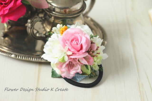 ピンクと白の薔薇のヘアゴム(Mサイズ)