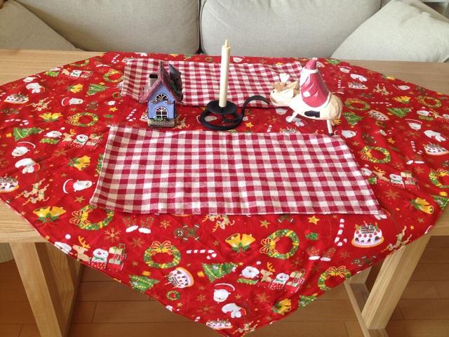 1年中使える♪クリスマステーブルクロスセット(サンタ色)