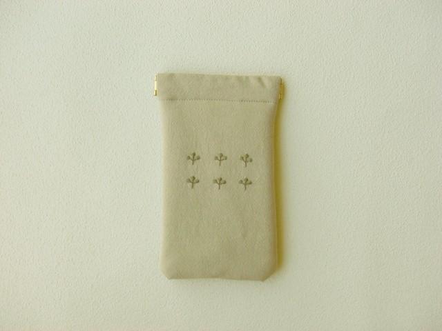 植物刺しゅうのバネポーチ(マルチケース・ベージュ)