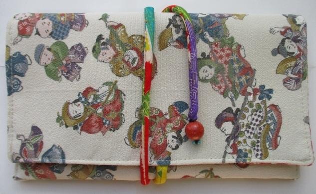 送料無料 縮緬の着物で作った和風財布...