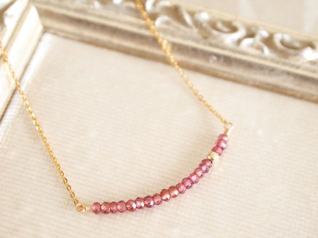 14KGF Garnet Line Necklace