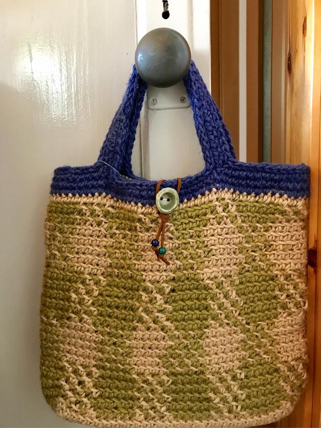 模様編みの麻ひもバック